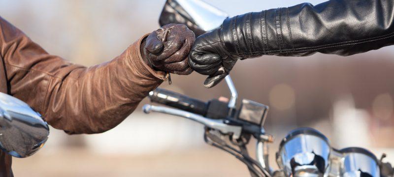 nettoyer gants moto-min